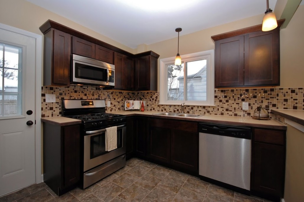 Kitchen remodeling contractors all in one builders for Kitchen remodeling companies